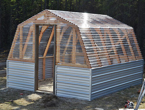 barn-style-greenhouse