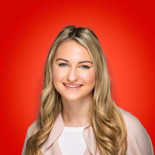 Izabelle Hundrev Headshot
