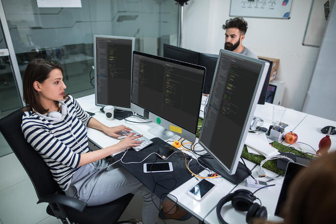 8 Expert Tips on How to Become an App Developer