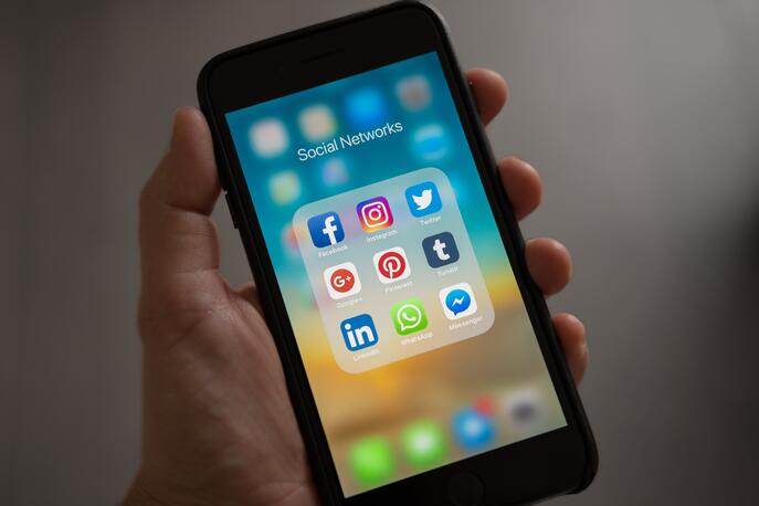 What Are the Different Types of Mobile Apps?