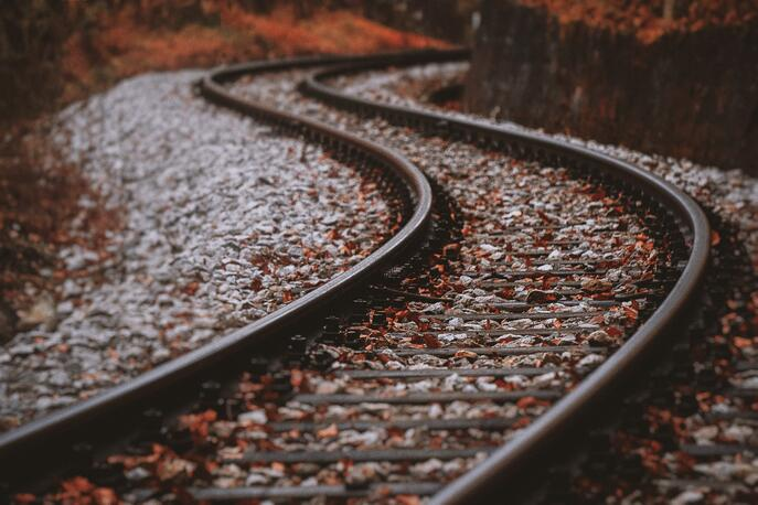 How to Use Software Reviews to Keep ERP Selection on Track