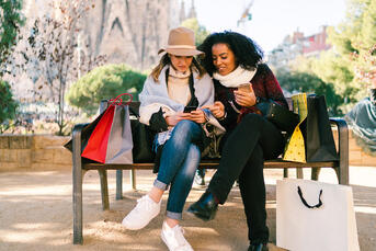 6 Online Holiday Shopping Trends for E-Commerce Sales Success