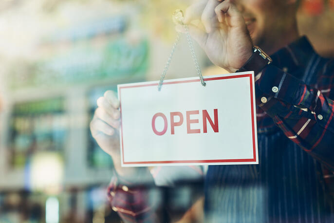 How to Start a Franchise in 8 Strategic Steps