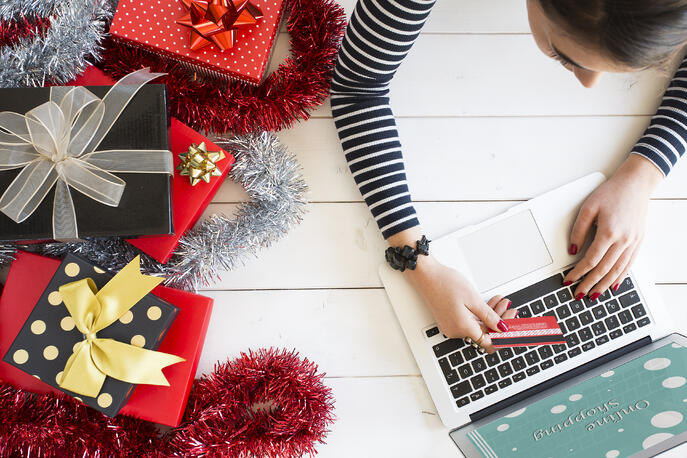 How to Nail Your Cyber Week Marketing Like a Pro (+Brand Examples)