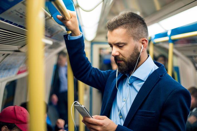 10+ Sales Podcasts Every Rep Should Listen to in 2020