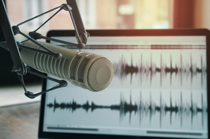 10 Best Podcasts for Sales Enablement Professionals in 2019