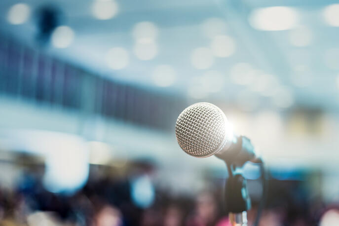 10 Simple Public Speaking Tips for the Nervous Presenter