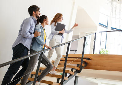 10 Expert Tips on How to Be a Successful Real Estate Agent