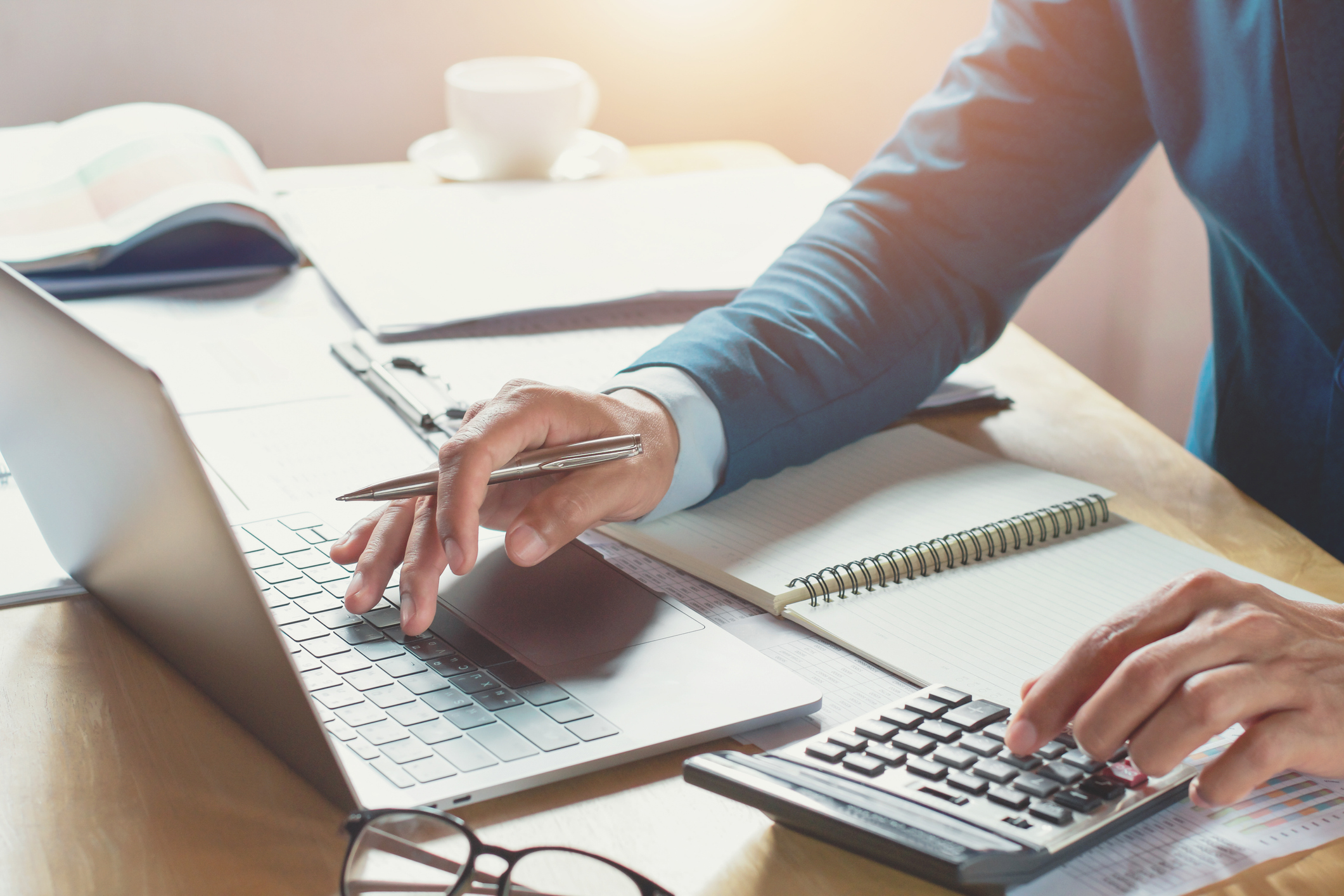 Small Business Bookkeeping Essentials (+5 Tips for Newbies)