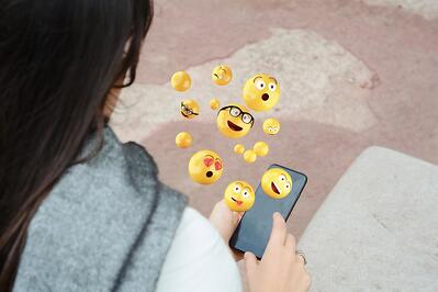 Snapchat Emoji Meanings (+ How to Customize Yours in 2019)