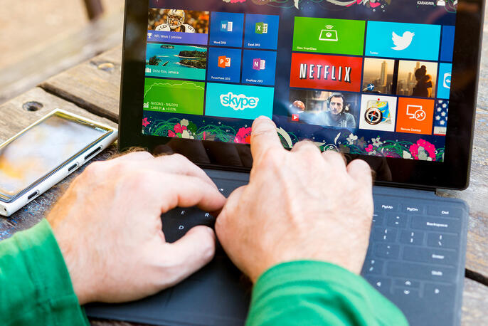 Here's How to Hide the Taskbar in Windows 10