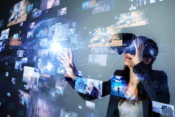 What Is Virtual Reality? (+3 Types of VR Experiences)