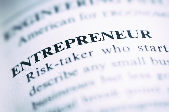 What Is an Entrepreneur? (+5 Traits of Industry Game-Changers)