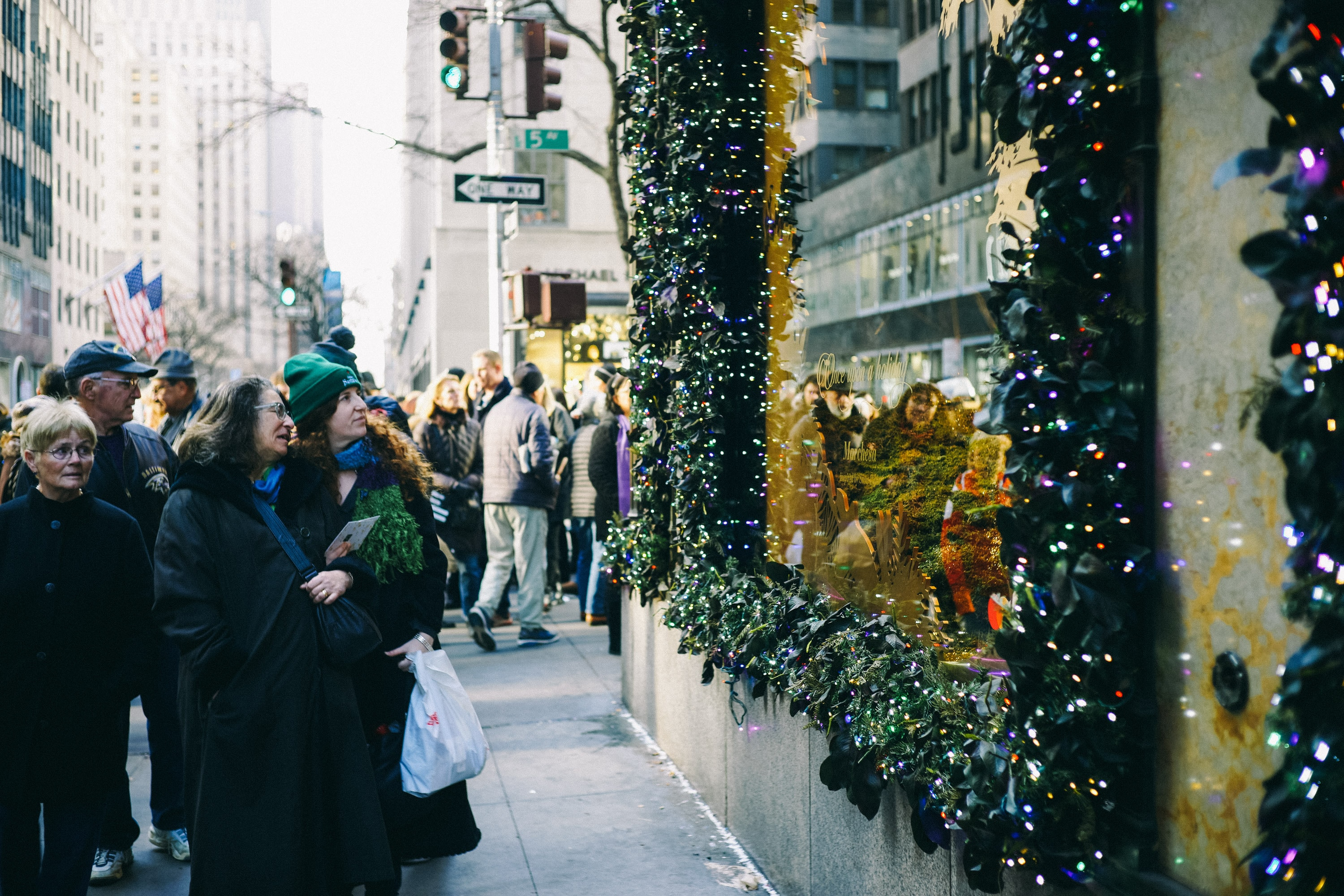 2018 Holiday Retail Survey: Tactics and Problems